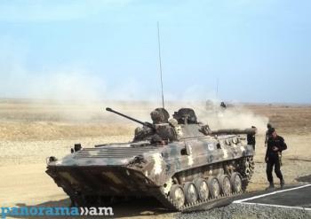 БМП-2 Армии обороны Арцаха на учениях