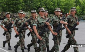 Учащиеся военного общеобразовательного комплекса «Покр Мгер»