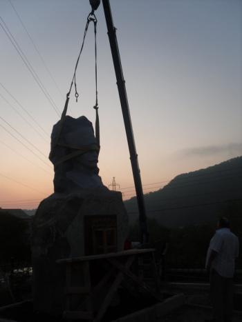 снос памятника Андранику