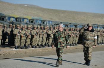 Серж Саргсян в армии Арцаха