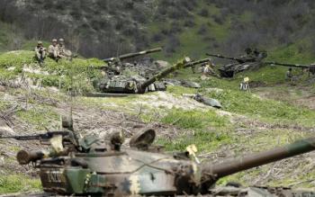 армянские танки в капонирах