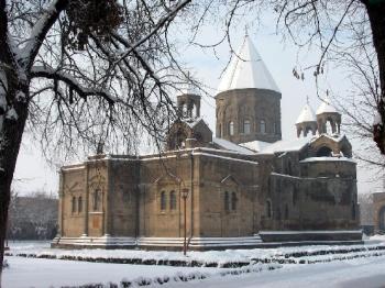 Скандал вокруг Константинопольского патриарха: Эчмиадзин молчит