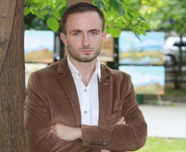 Антон Евстратов: Политической элите Азербайджана нужен враг