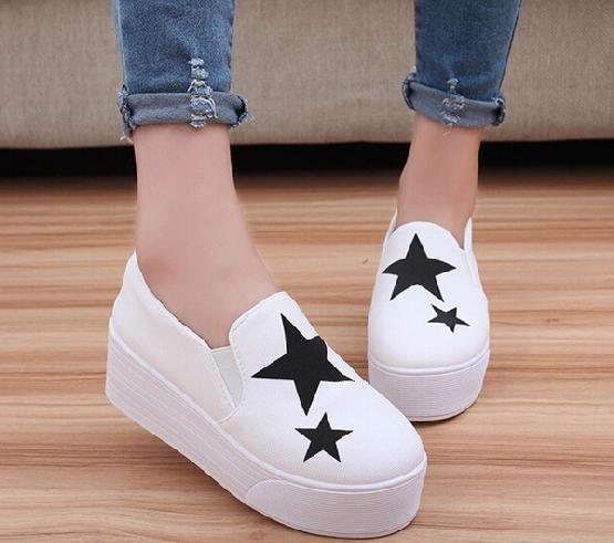 4893a1717 Широкий ассортимент обуви предлагает интернет-магазин Миратон ...