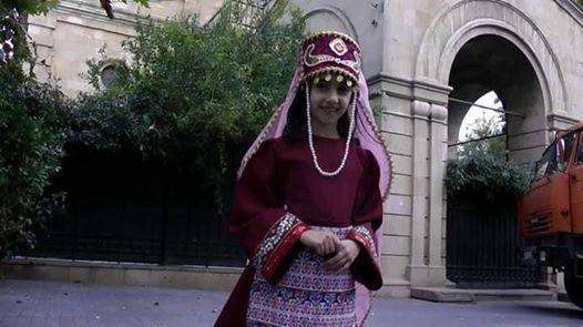 азербайджанка в армянском костюме
