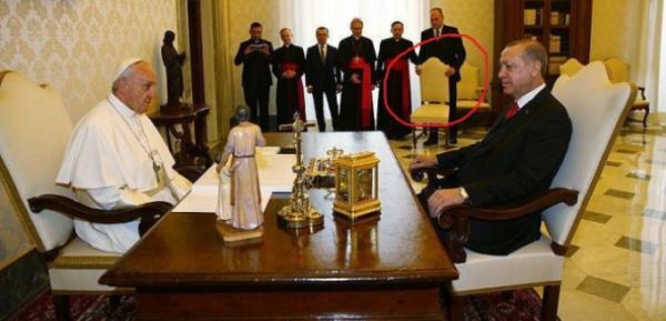 стул Эрдогана