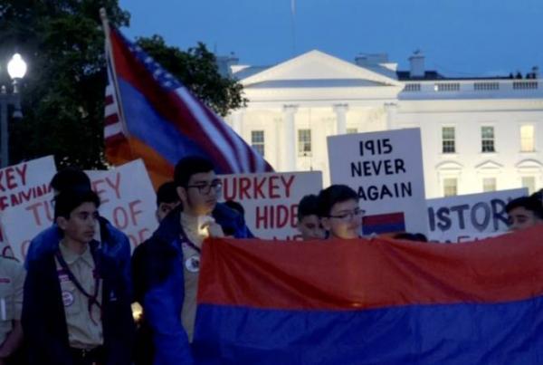 В Вашингтоне перед Белым домом состоялась церемония зажжения свечей в память жертв Геноцида армян