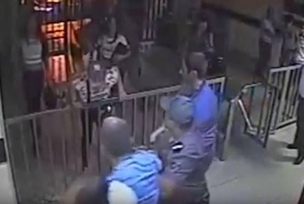 ЧПвЕреване: «мужчины вженском обличье» учинили погром в милиции