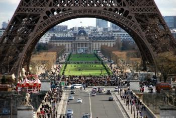 Прокат авто в Париже