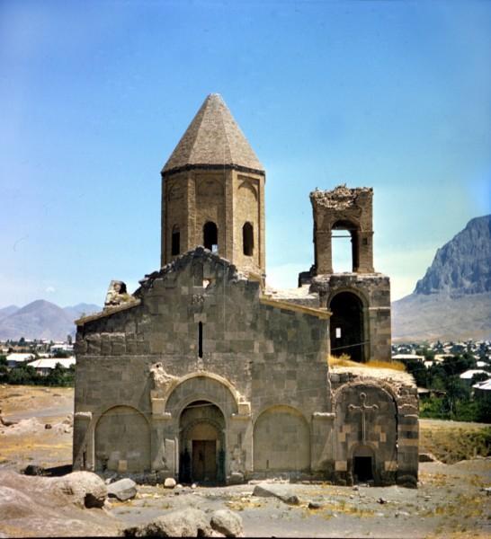 Церковь Сурб Карапет в Абракунисе
