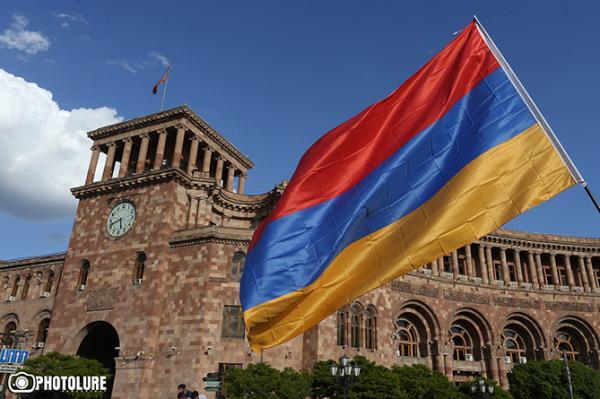 Армению откровенно держат за лоха или Зачем ехать в Москву?