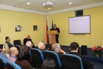 конференция Норайр Сисакян