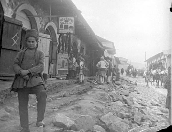 Торговые ряды в армянской части Шуши