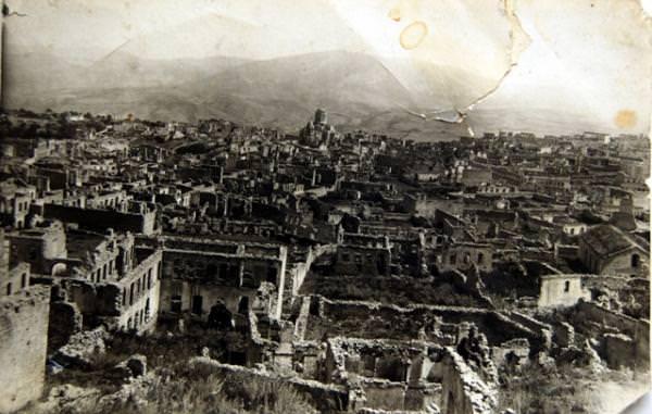 Общий вид центра Армянской части Шуши перед сносом в середине 1960-х гг