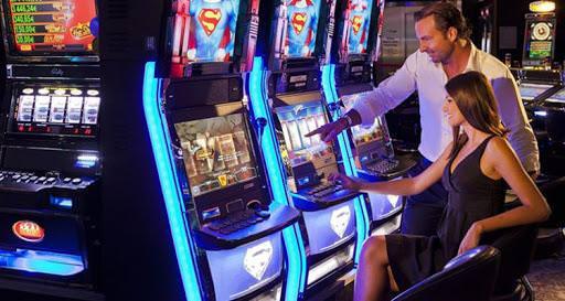 Играть казино Rox на деньги стало еще проще, достаточно пройти регистрацию и можно срывать куши!