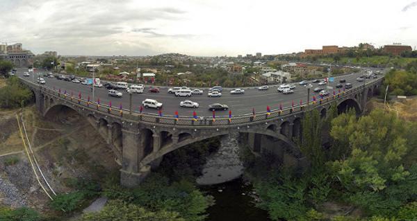 мост через Разданское ущелье