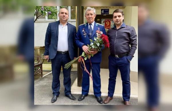 Григорий Хаустов Григорий Карапетян Роман Галустян